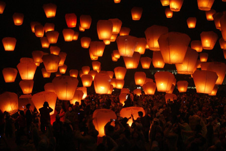 buddhist holly day butter lamp festival day of miracles monlam chemo